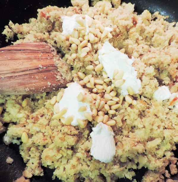 Goat Cheese in Cauliflower Rice