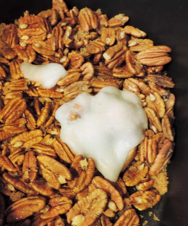 Pecans with Egg Whites