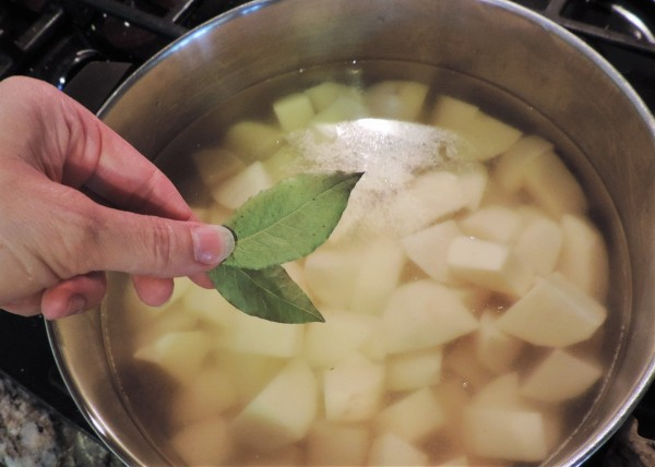 Bay Leaves for Colcannon Potatoes