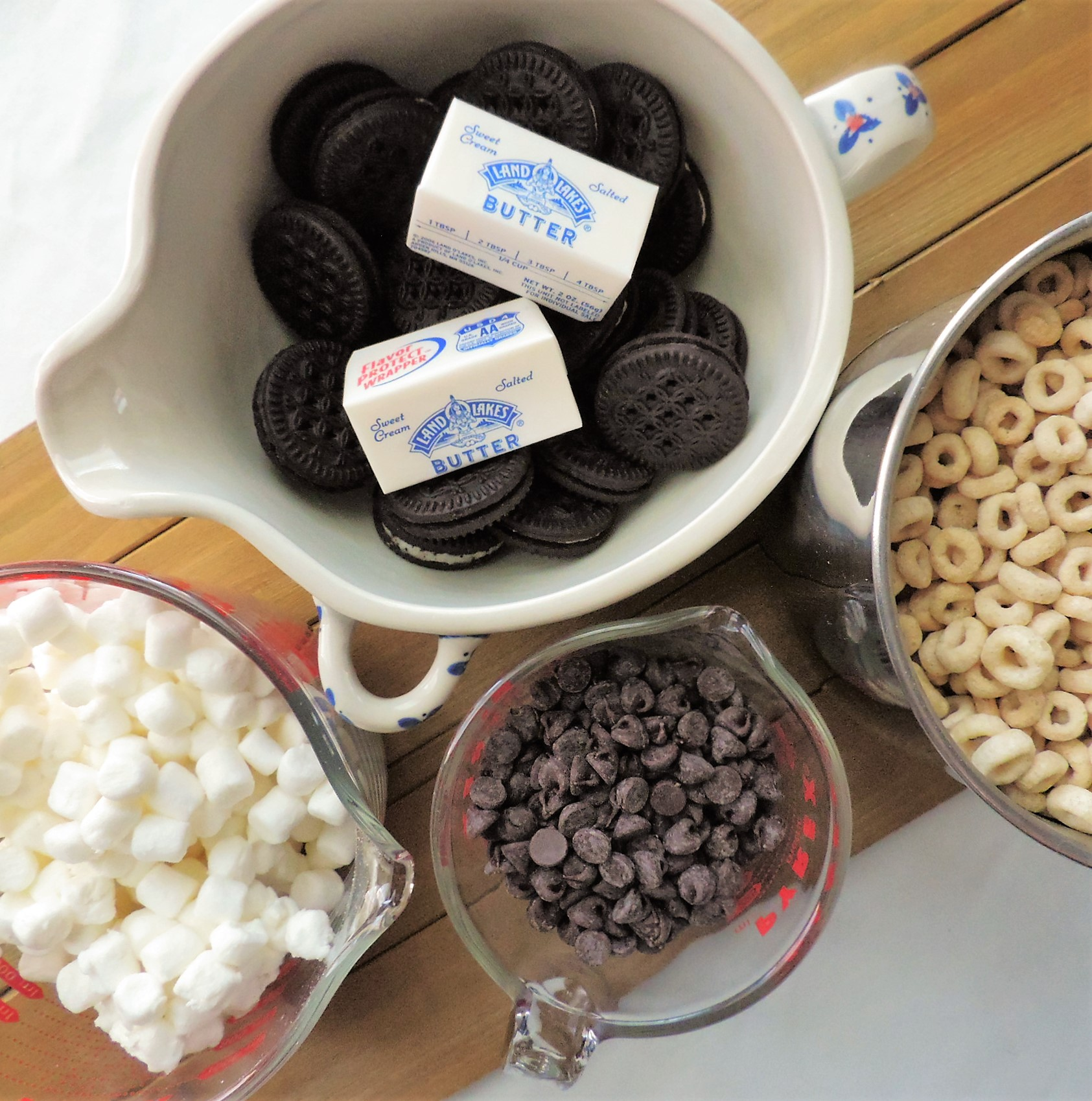 Chocolate Cookie Cereal Treats
